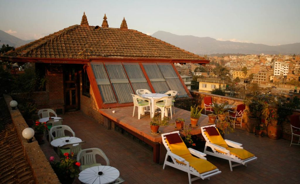 The Pagoda Rooftop Bar - Hotel Vajra